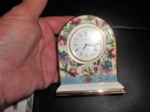 ELEGANT SMALL DOMED CLOCK WEDGWOOD CHINA SARAH WORKING FINE EXCELLENT CONDITION